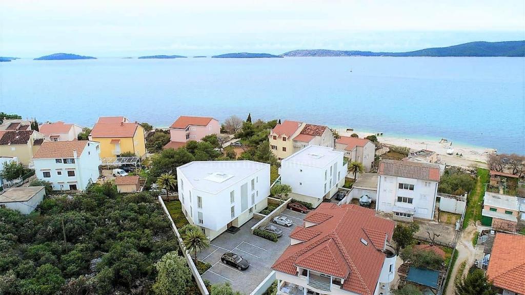 Nuovo appartamento con giardino, vicino al mare