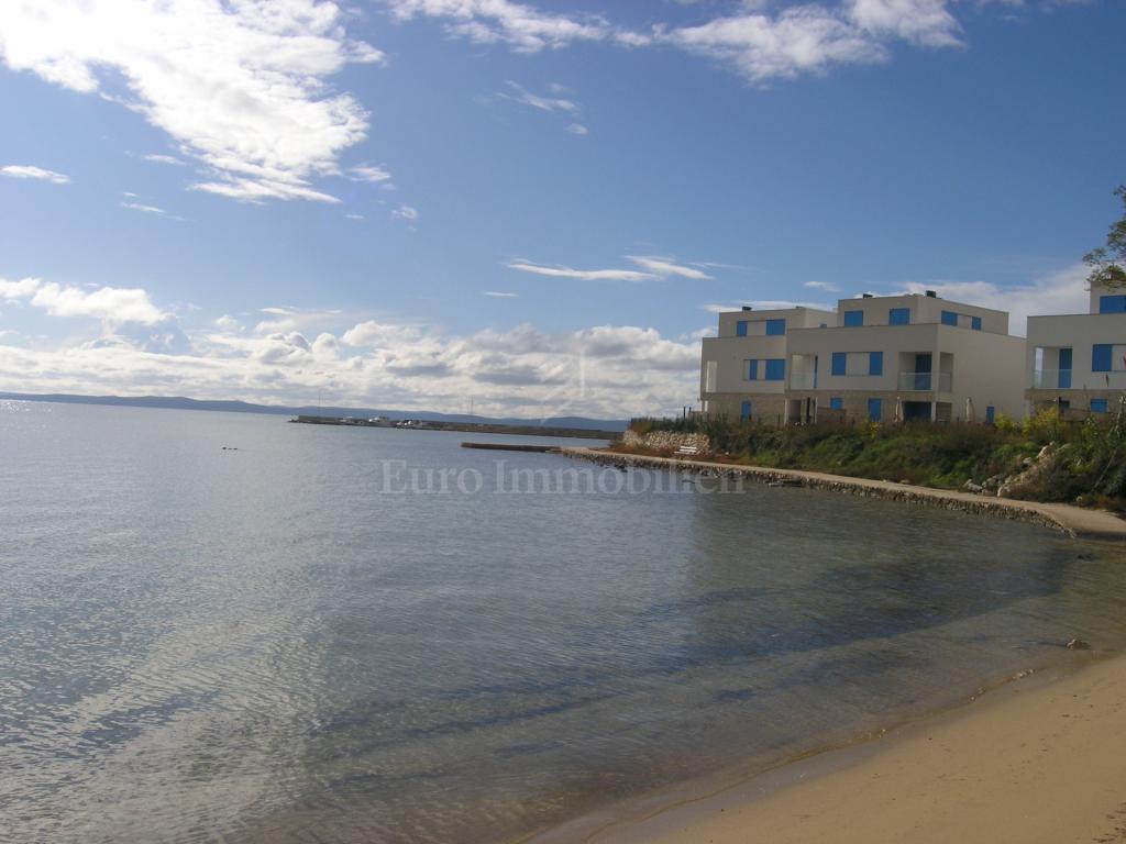 Baugrundstück von 3350 m2 am Meer