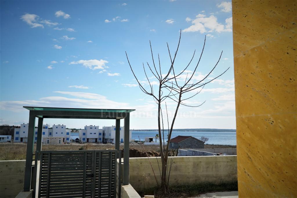 Kuća blizu plaže, novogradnja!
