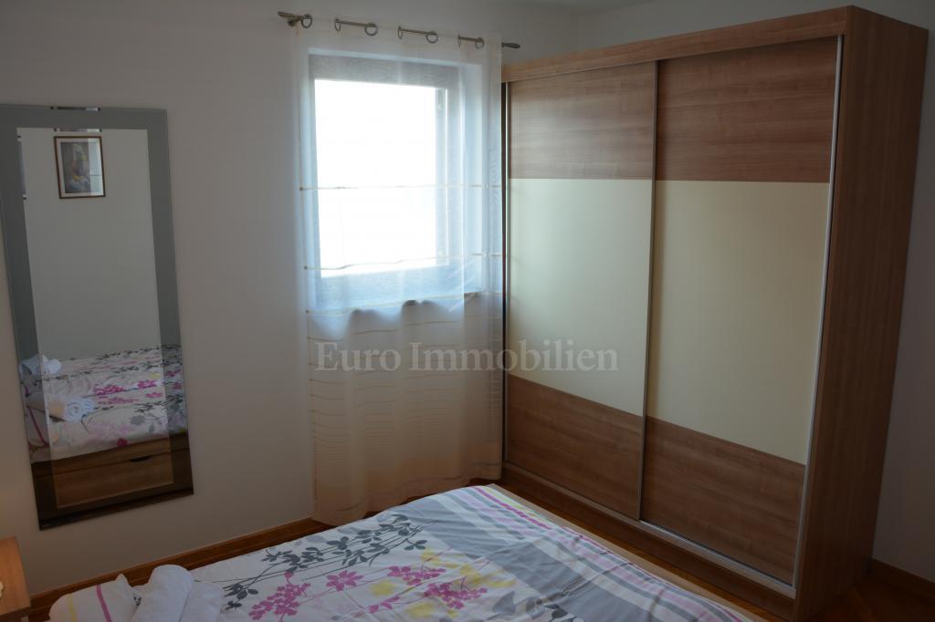 Dvoetažni apartman s prekrasnim pogledom na more