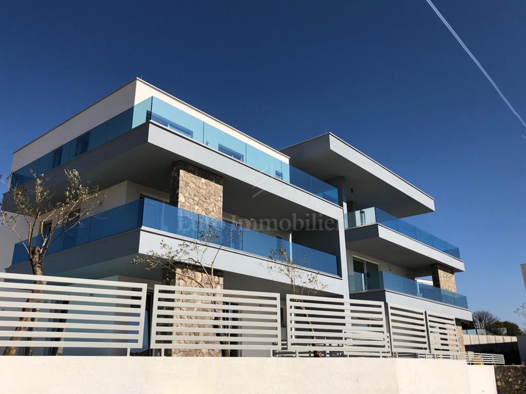 Moderne Wohnung mit Pool und wunderschönem Meerblick