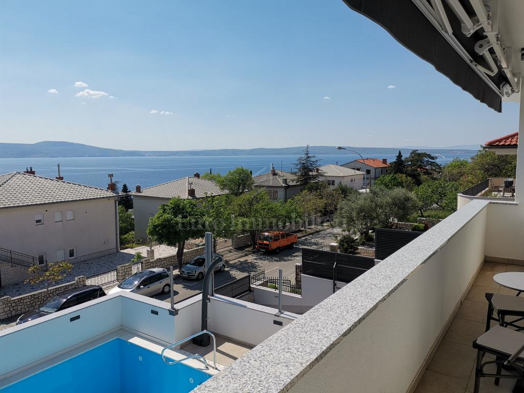 Detached house 200 m from the beach