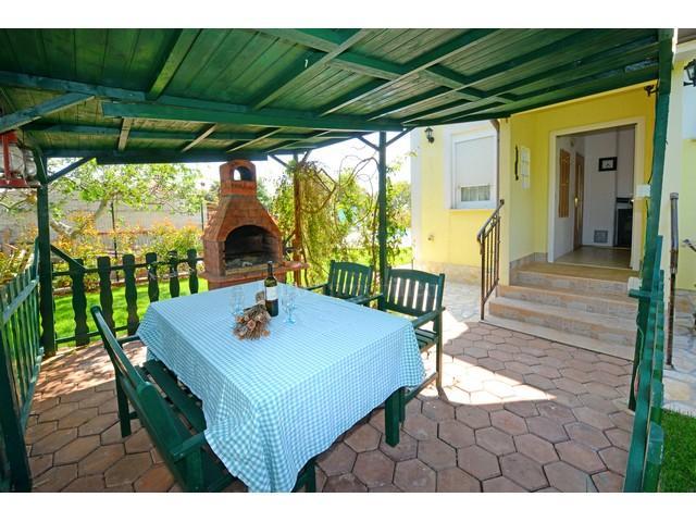 Samostojeća kuća uhodana za turistički najam