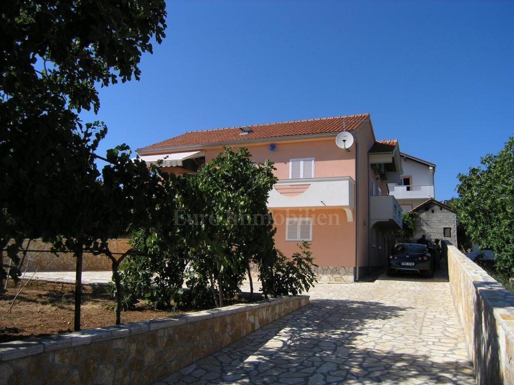 Casa familiare con vista sul mare