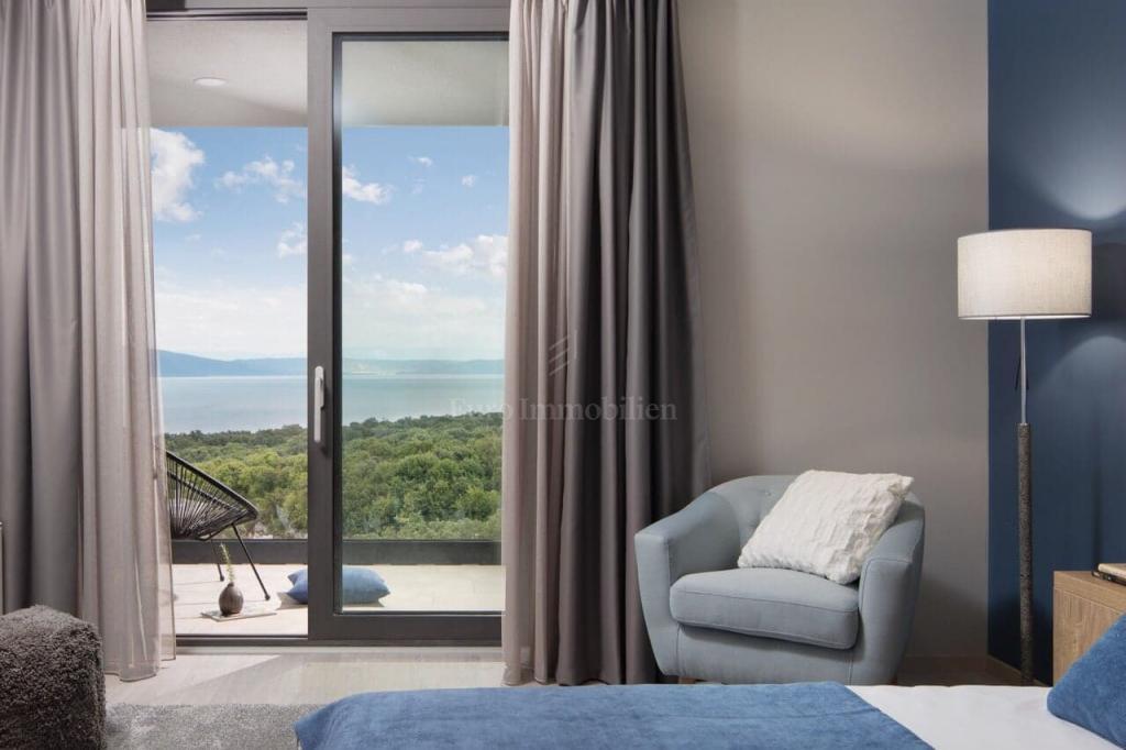 Luxusvilla mit Panoramablick auf das Meer