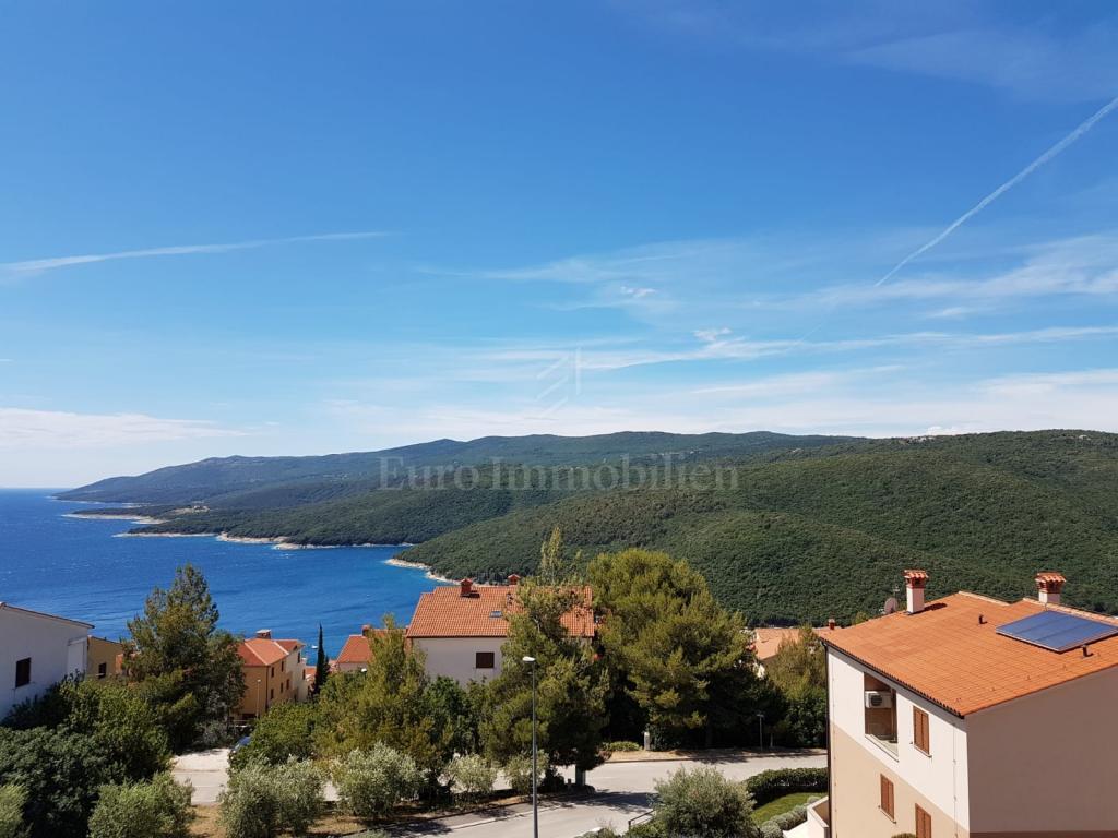 Odlična lokacija za život! Predivan pogled na more!