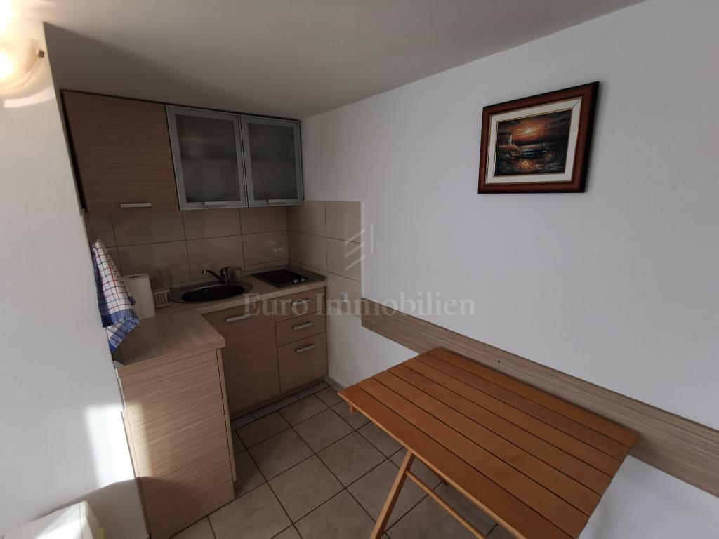 House in an outstanding location! Fantastic sea view! Two Housing Units!