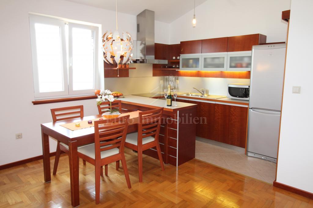 Arredato appartamento  in una splendida posizione a 400 m dal mare