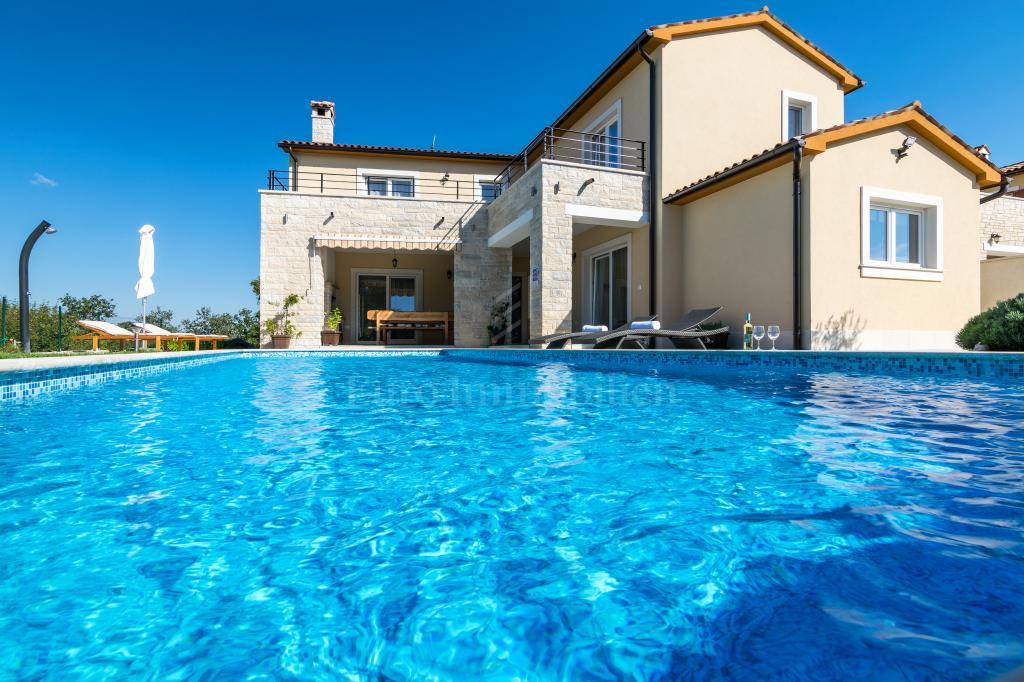 Prekrasna vila s bazenom nedaleko od Rovinja