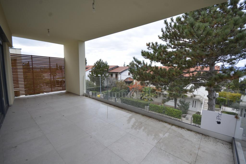 Apartment near the sea with a beautiful view