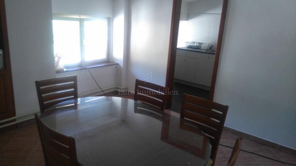 Apartman u staroj vili s pogledom na more