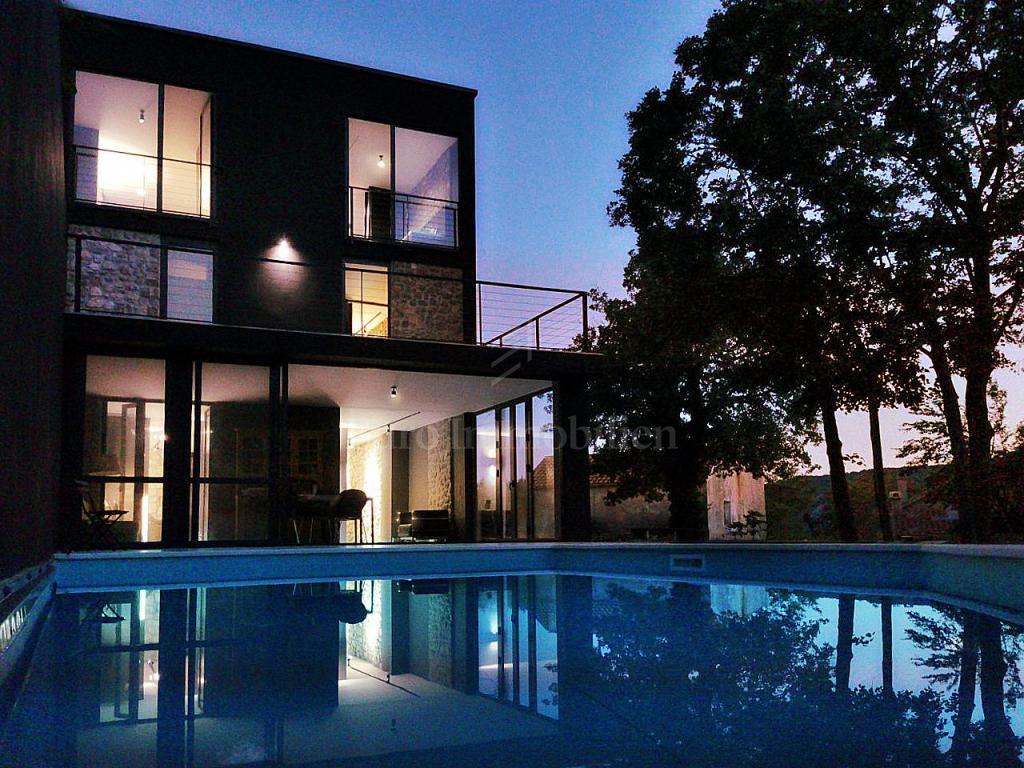 Luksuzna nekretnina! Sinergija modernog i tradicionalnog!