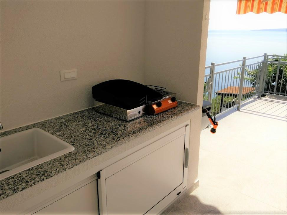 Apartman s predivnim pogledom na more!