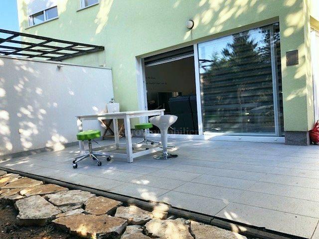Appartamento al piano terra con giardino