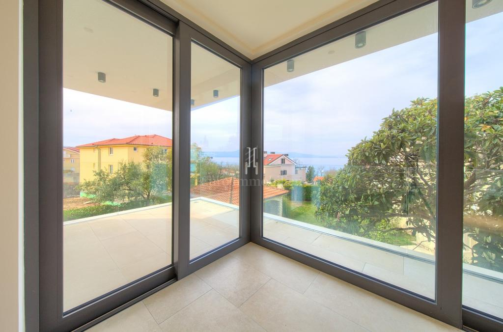 Modern villa in top location - Malinska