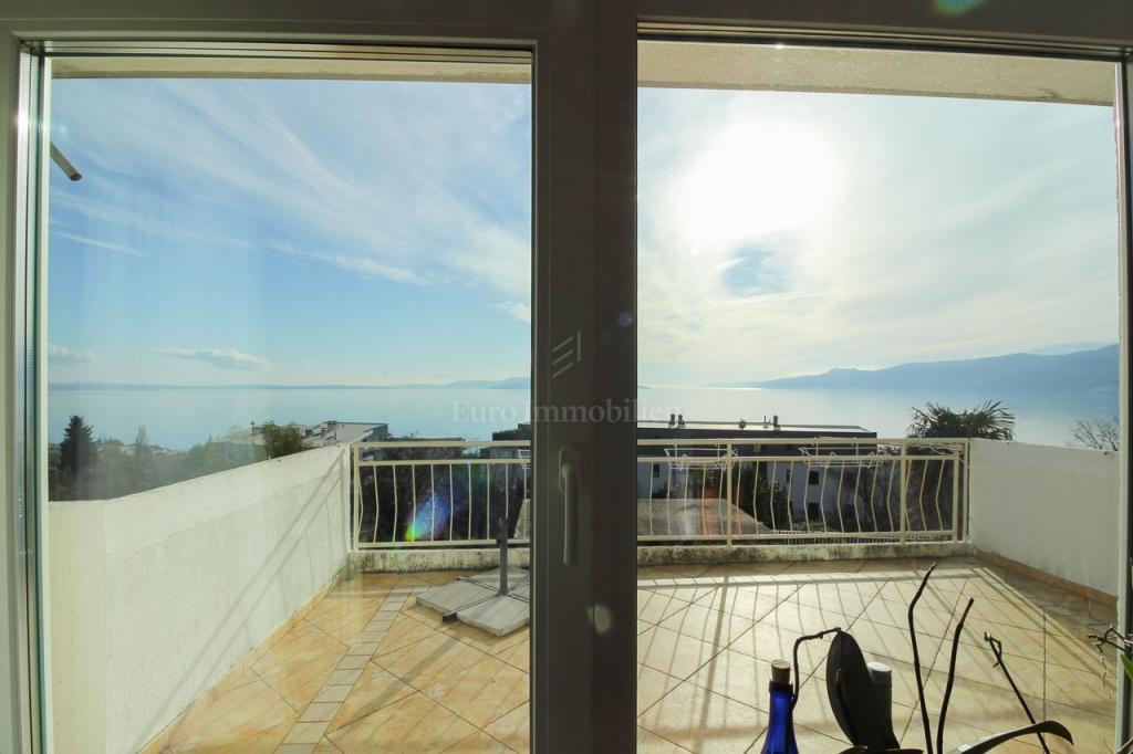 Marčeljeva Draga, renoviran stan 2S+DB, pogled na more!