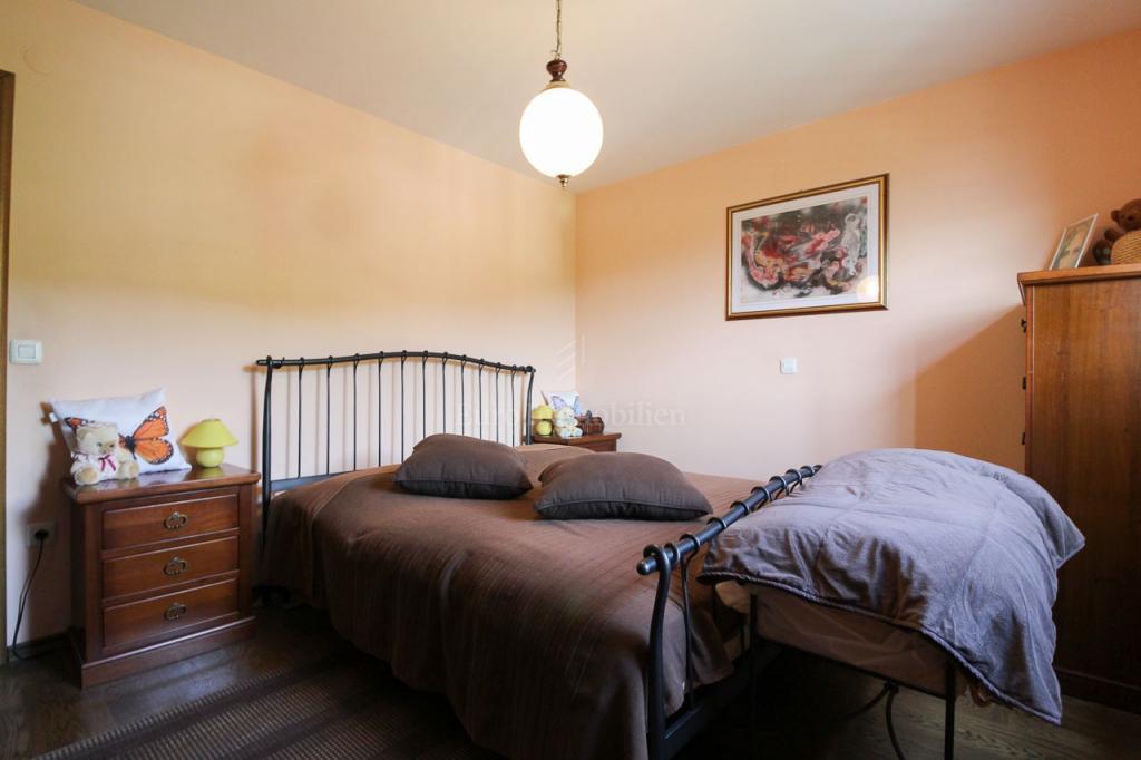 Ičići, dvosoban stan s dnevnim boravkom, 98m2