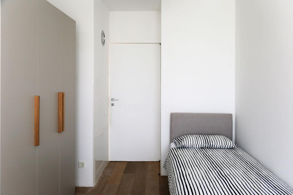 Trsat, dvoetažni stan s krovnom terasom, 4S+DB 198 m2