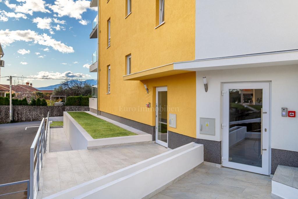 Srdoči, trosoban stan s dnevnim boravkom, 77 m2, 2. kat