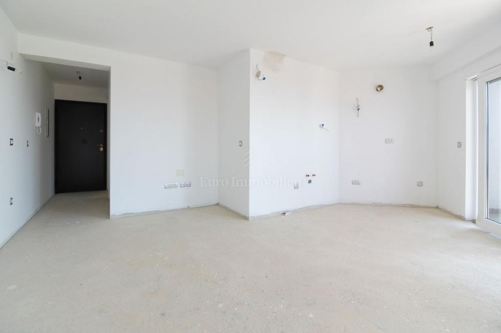Dramalj-Crikvenica, stan 2S+DB 70 m2, u novogradnji