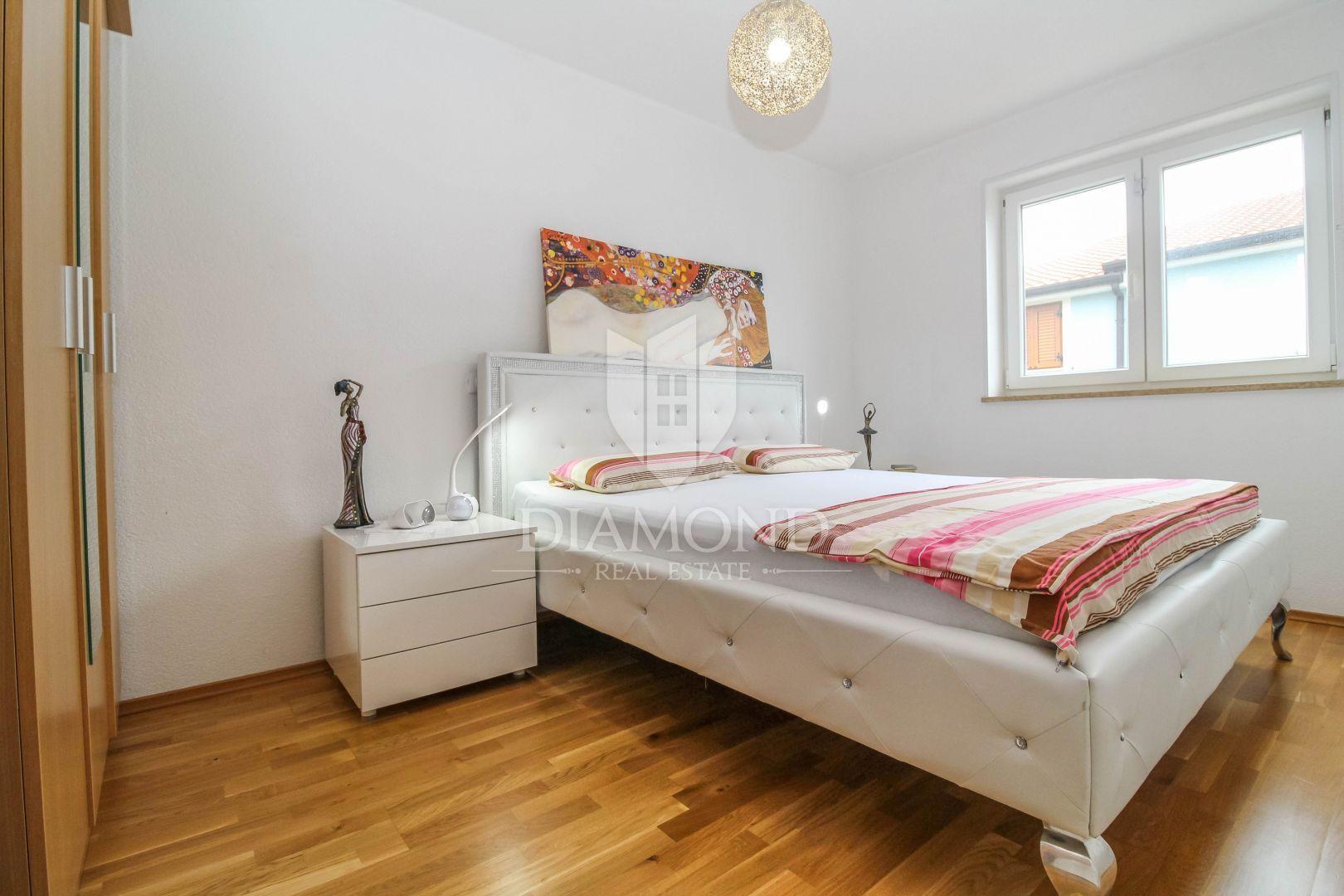 Cittanova, appartamento con tre camere da letto con piscina ...