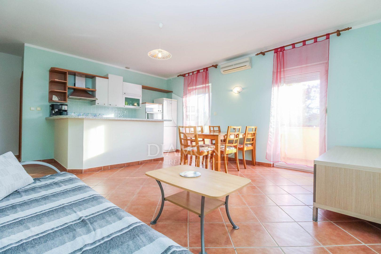 Karigador, appartamento con 2 camere da letto a 500m dal ...