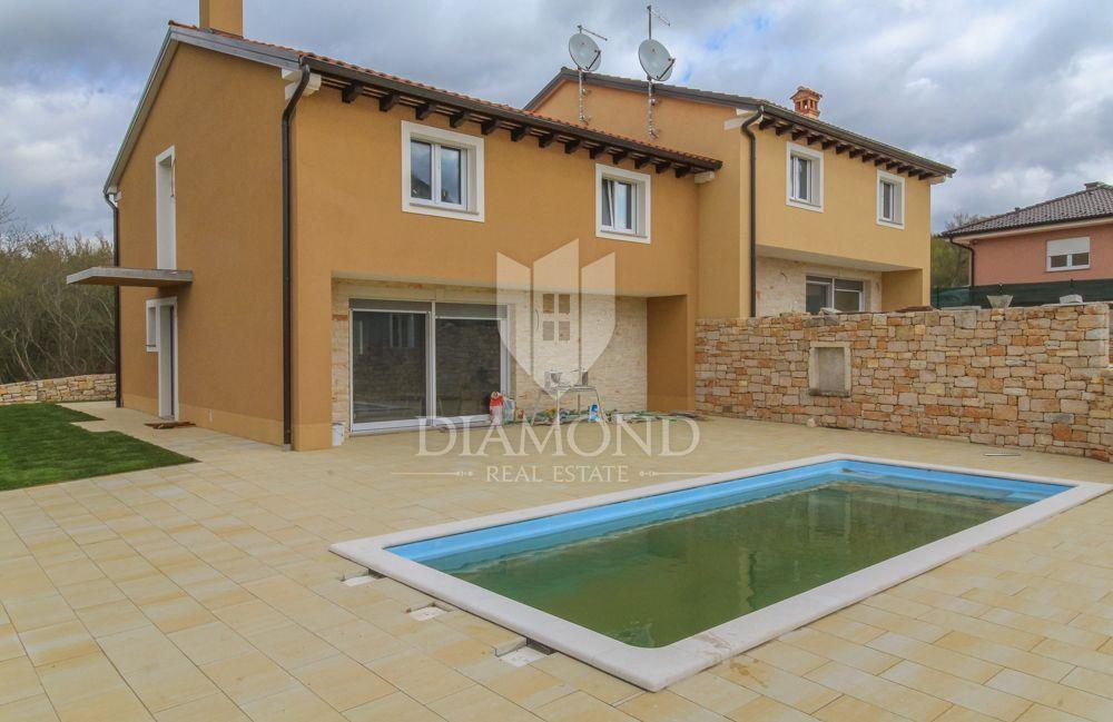 Rovinj, nuova casa con piscina, 4 camere da letto, Casa