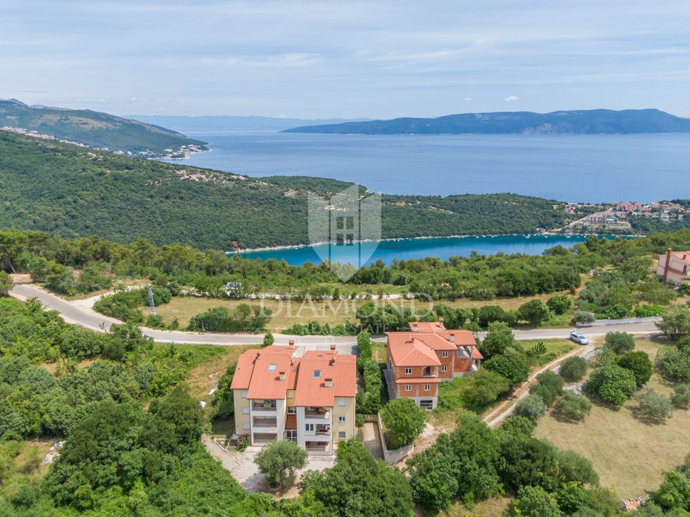 Istra, Rabac- Okolica stan 1 kilometar od mora i plaže