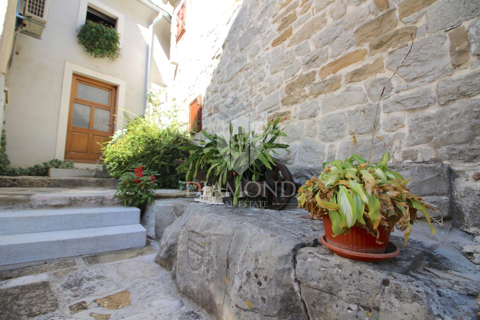 Kamena kuća u Gračišću