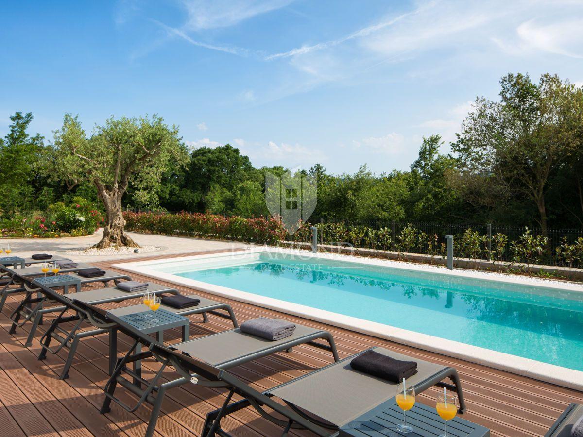 Kuća za odmor sa bazenom
