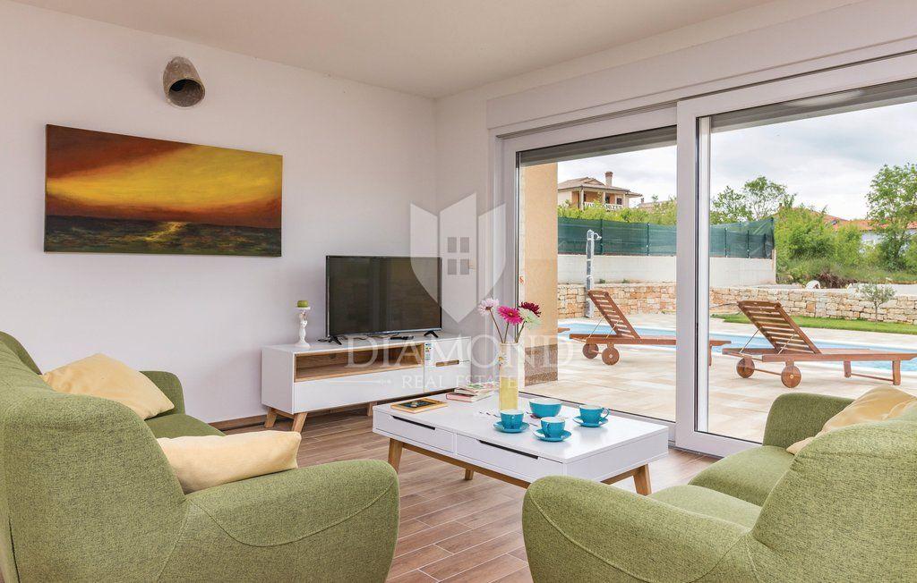Rovigno, nuova casa con piscina- 4 camere da letto, Casa