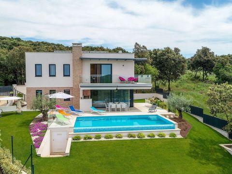 Dizajnerska Villa na ekskluzivnoj lokaciji