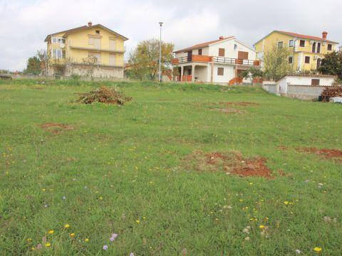 Labin okolica građevinsko zemljište sa građevinskom dozvolom
