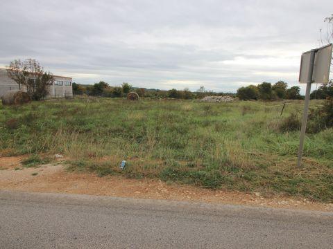 Građevinsko zemljište u stambeno-poslovnoj zoni u Žminju