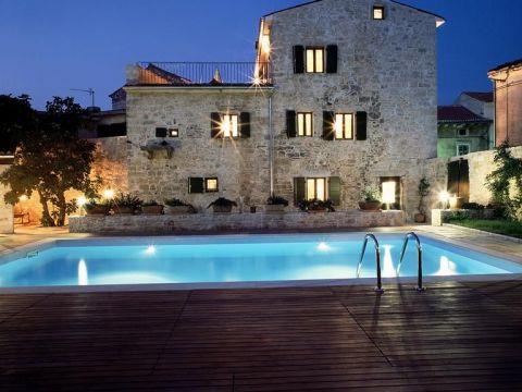 Svetvinčenat, kamena Villa sa bazenom