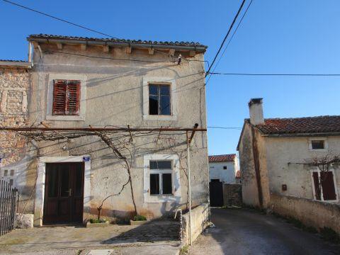 Barban, okolica,kamena kuća za adaptaciju