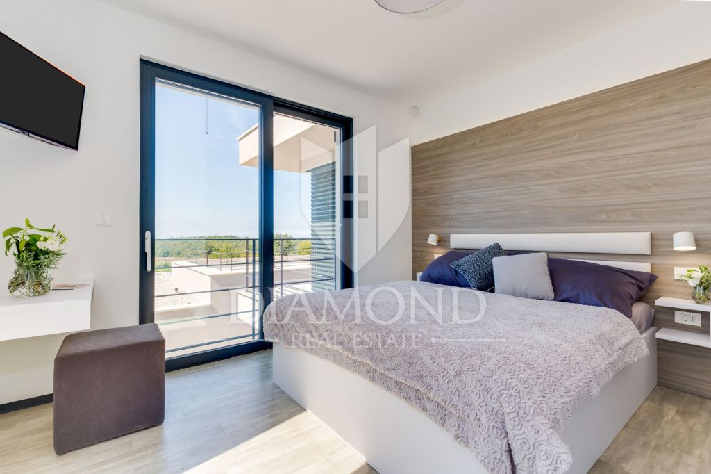 Poreč-design villa with panoramic view