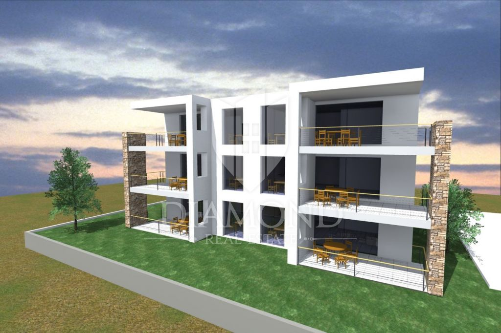 UMAG, NEW BUILDING, apartment on the second floor 800m from the sea