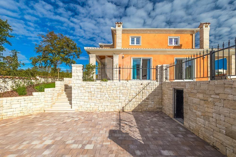 EKSKLUZIVNO- Villa sa 6 spavaćih soba 150m od plaže