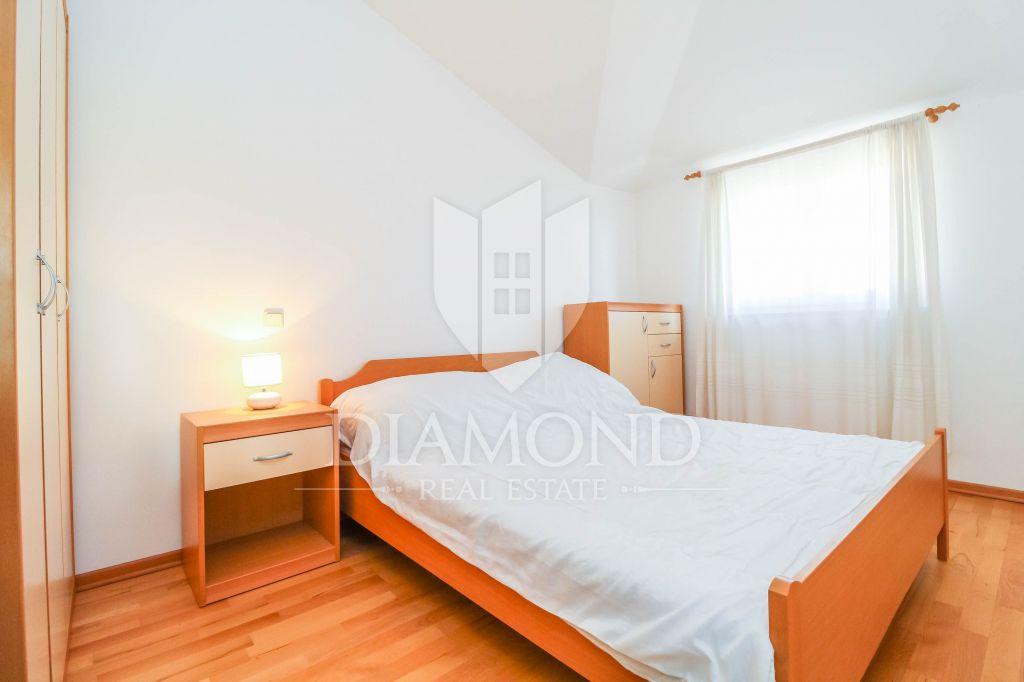 Novigrad, surroundings, one bedroom apartment overlooking the sea
