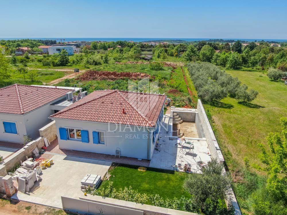 Prilika: nova kuća sa bazenom u Novigradu