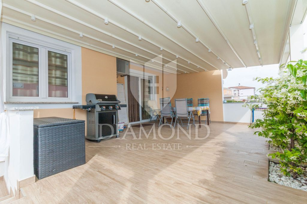 Novigrad, apartment 200m far from the sea on the ground floor