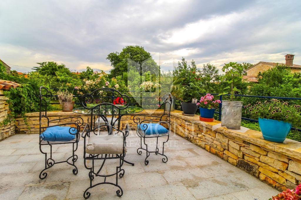 Affascinante casa con un giardino nascosto vicino a Rovigno
