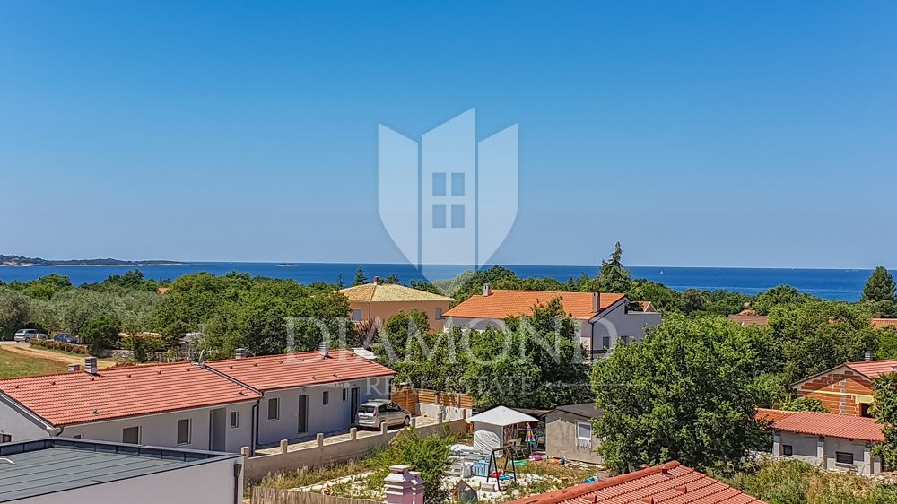 Peroj-holiday house with beautiful sea views