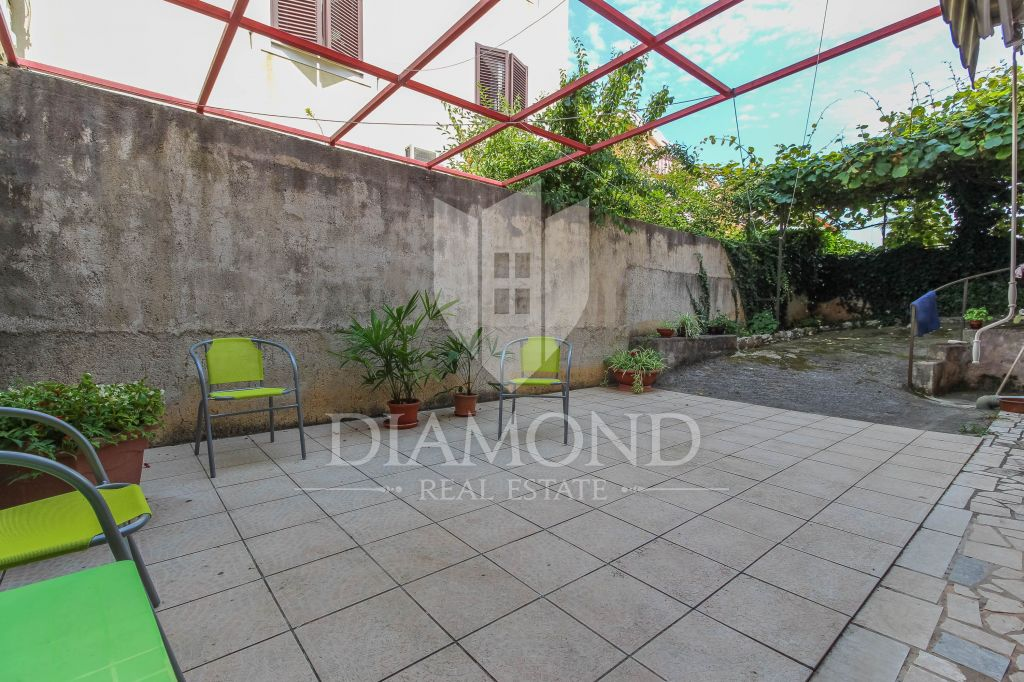 Rovinj, apartment with yard in the center