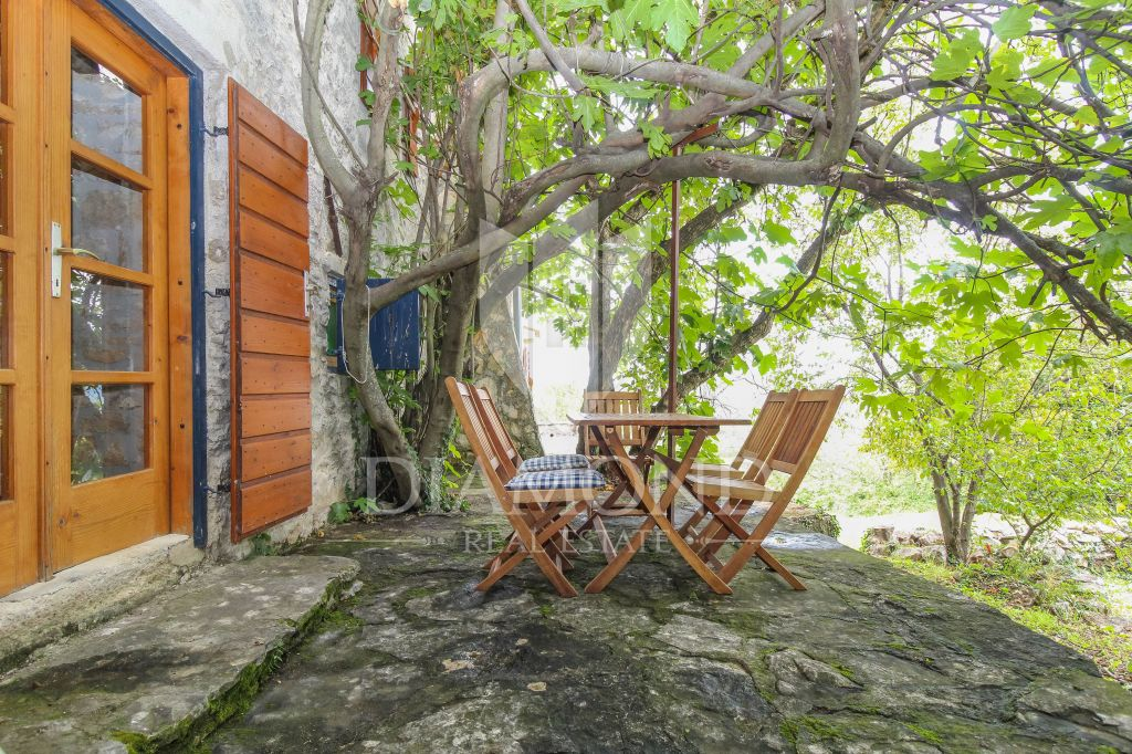 Parenzo, dintorni, idilliaca casa istriana con ampio terreno