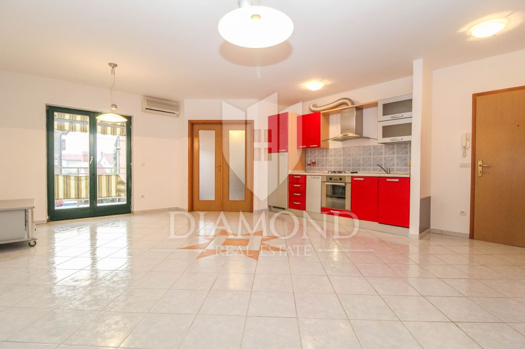 Umag, Zambratija, three bedroom apartment 150m from the beach