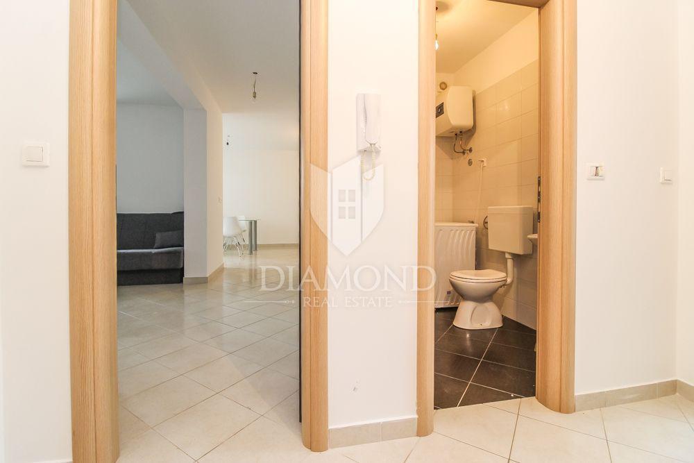 Rovinj, three bedroom apartment in a quiet location