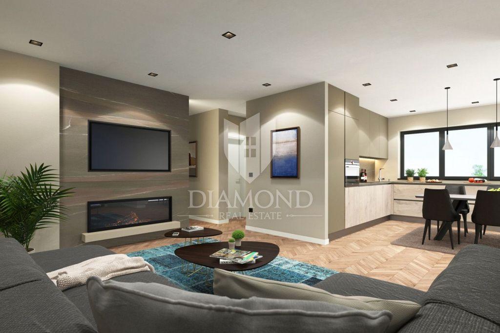 Parenzo, nuovo lussuoso appartamento al 1 ° piano vicino al centro