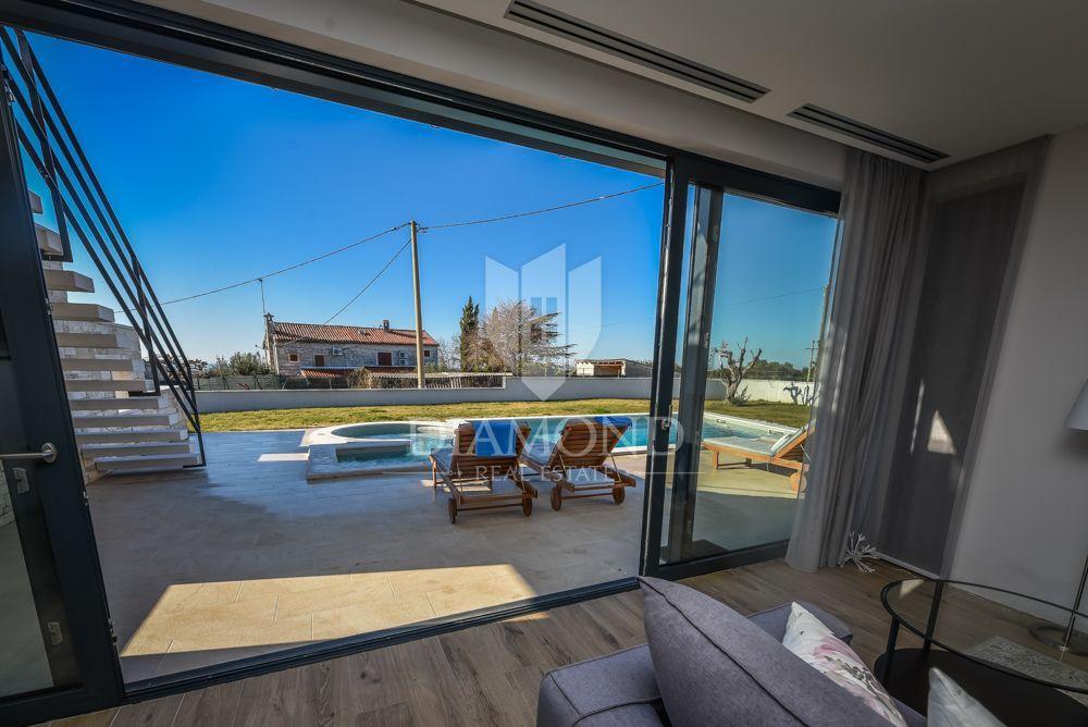Rovinj, luxury villa with pool and sea view